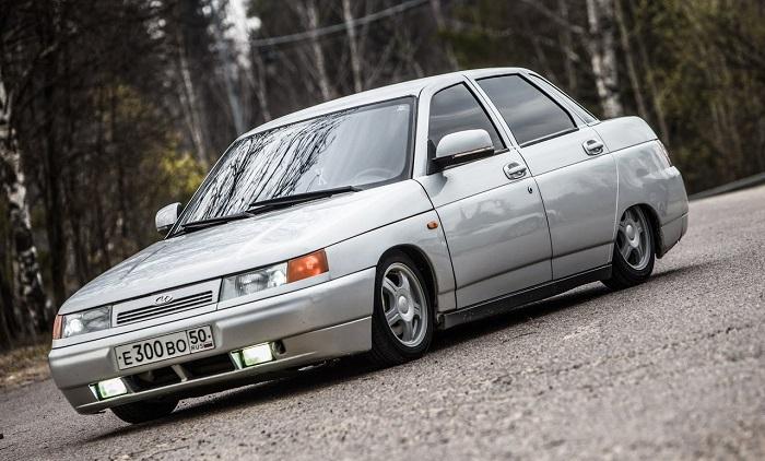 Автомобиль российского производства ВАЗ 2110